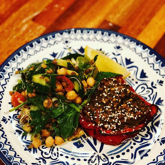 DID YOU KNOW??? There is more Vitamin C in Red Capsicums than Green Capsicums, and even more delicious stuffed with Freekah and lentils. #veganrecipes
