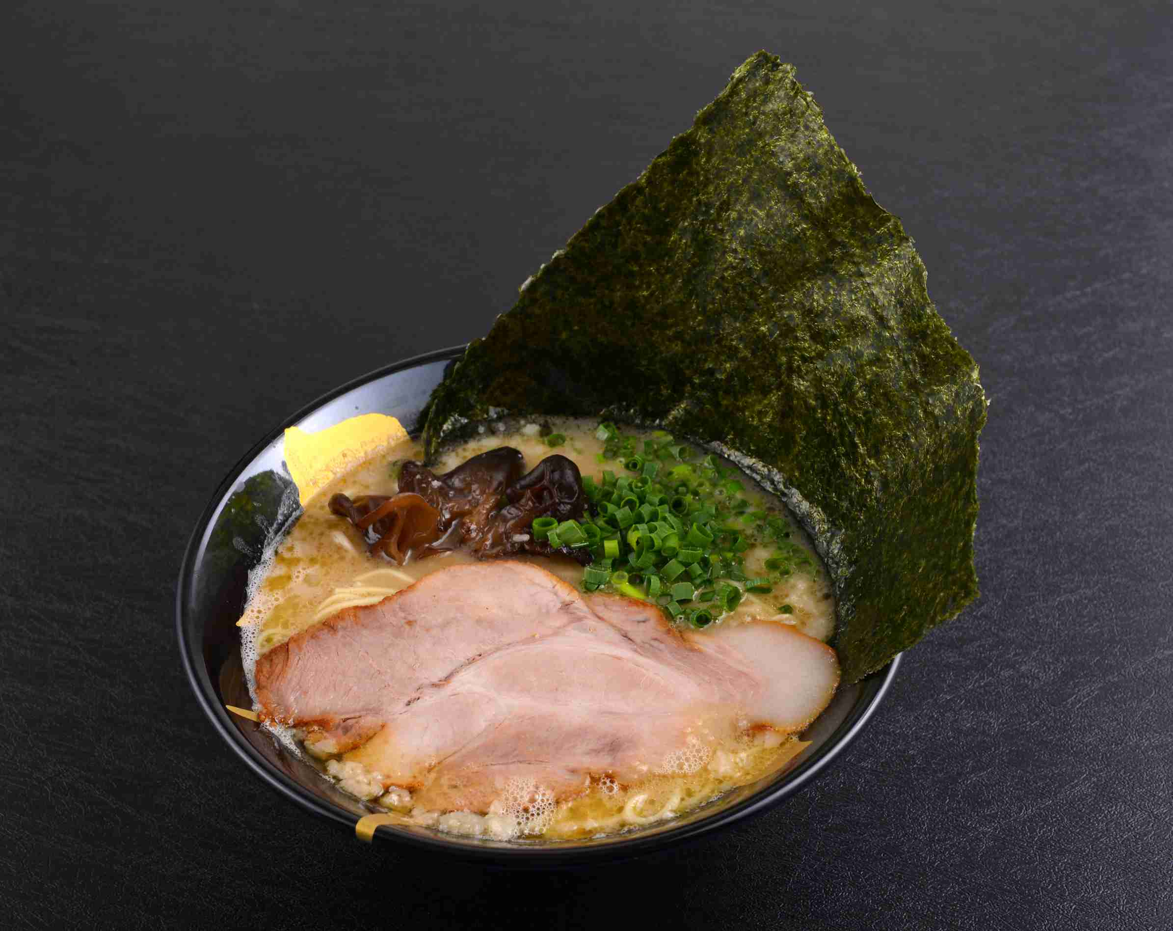 Tonkotsu Ramen with Japanese Seaweed ($12.90)