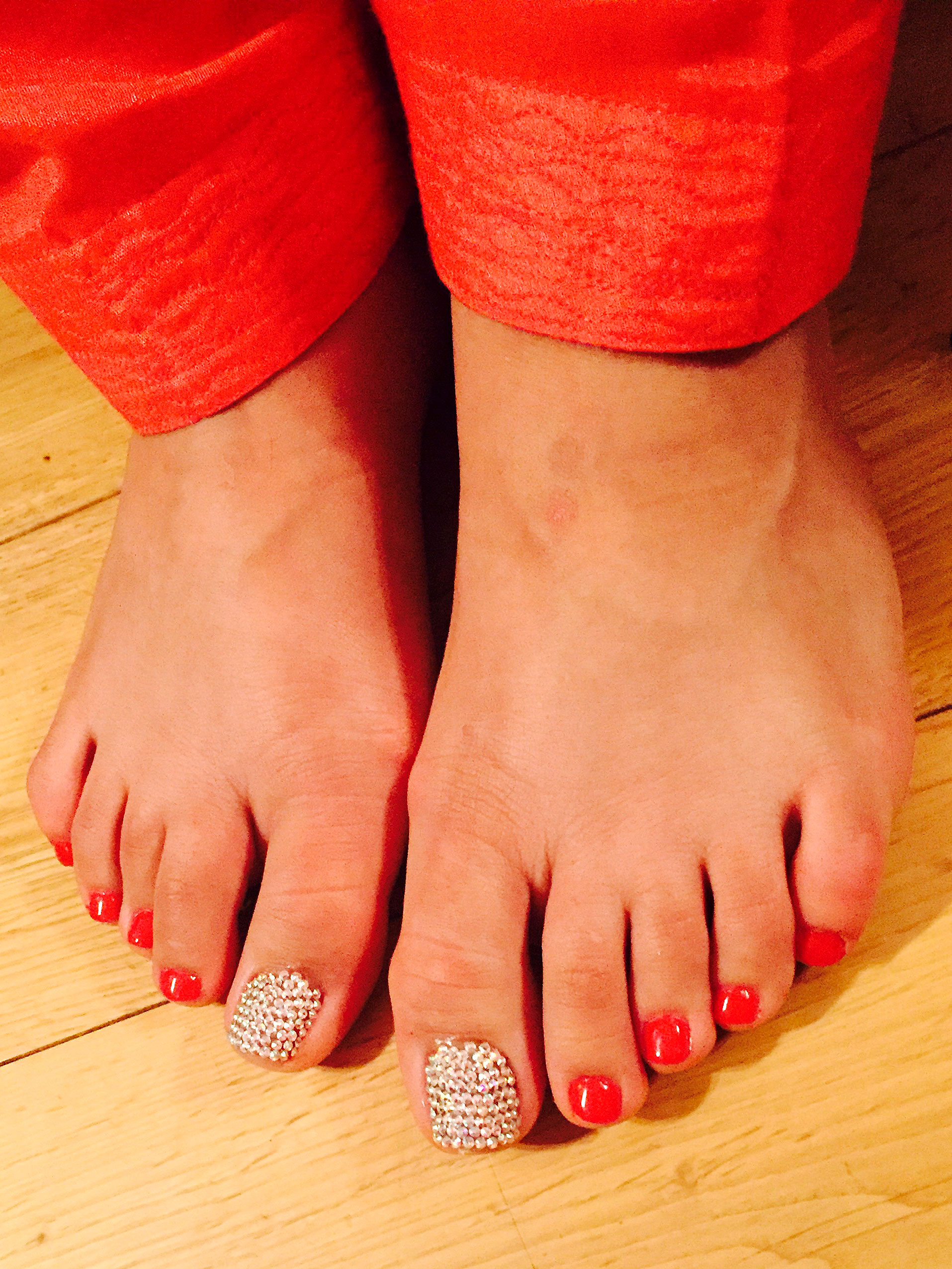 swarovski-crystal-pedicure-beauty-salon-bristol-bonjour-belle.jpg