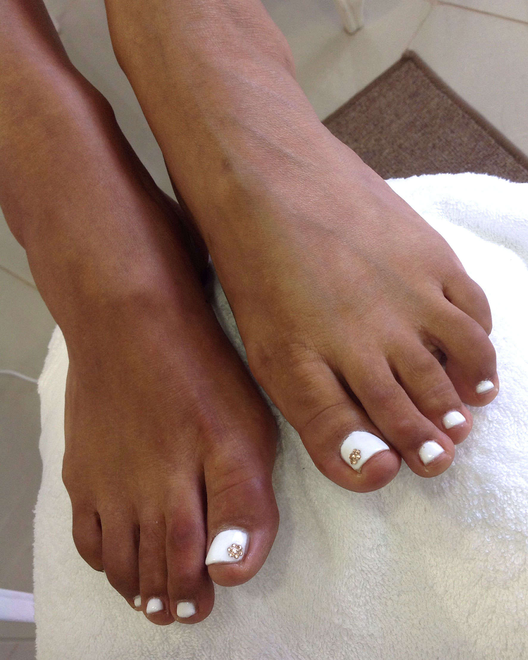 chrystal-white-pedicures-bristol.jpg