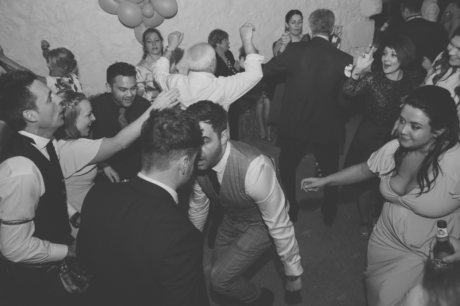 alternative_photographer_wedding_uk_mirrorbox_091.jpg