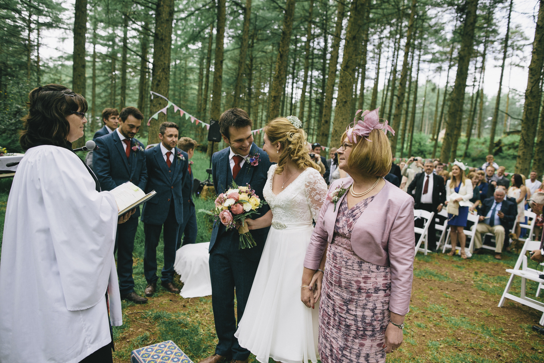 Alternative_wedding_photographer_scotland_borders_mabie_forest-30.jpg