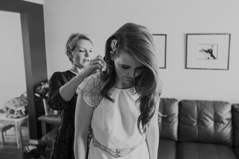 Alternative_wedding_photographer_scotland_barn_wedding_knockraich-7.jpg