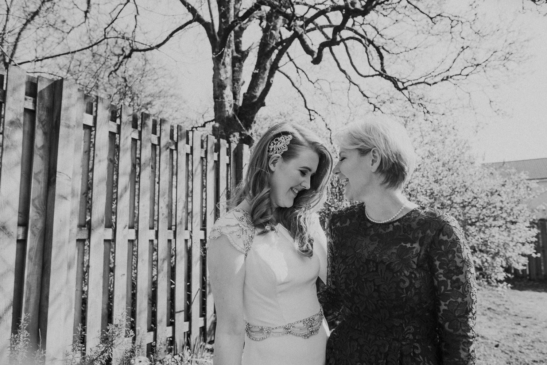 Alternative_wedding_photographer_scotland_barn_wedding_knockraich-12.jpg