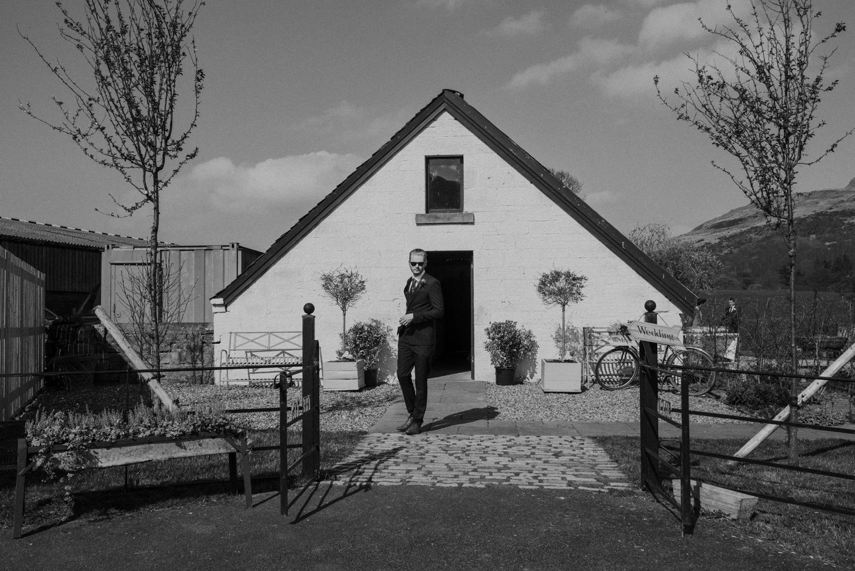 Alternative_wedding_photographer_scotland_barn_wedding_knockraich-19.jpg