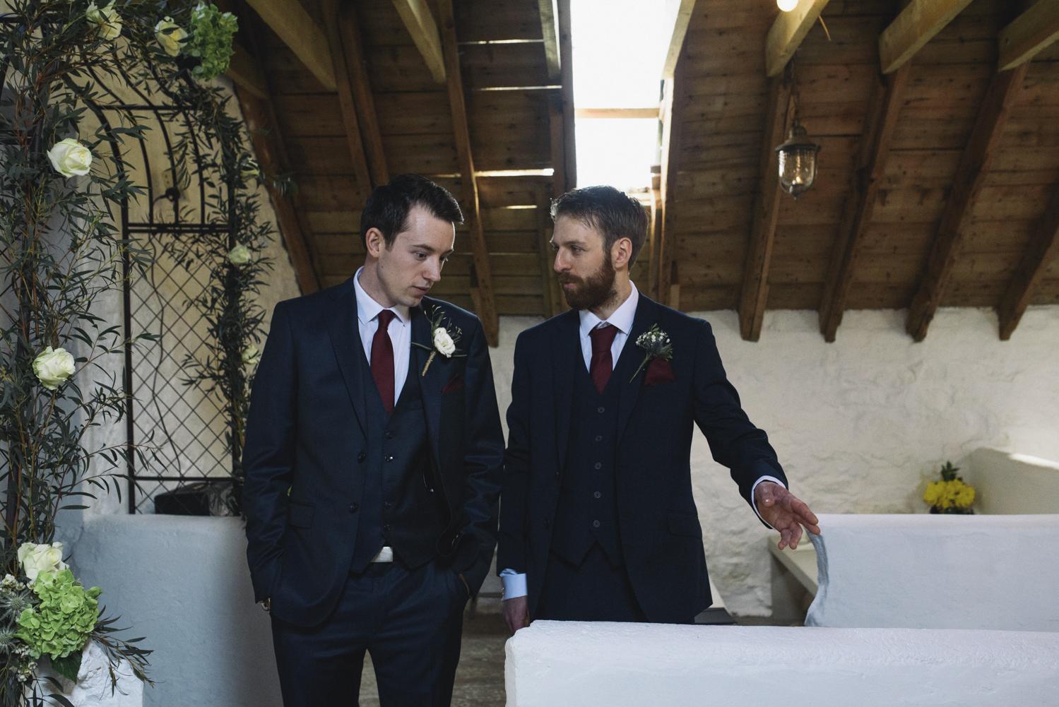 Alternative_wedding_photographer_scotland_barn_wedding_knockraich-20.jpg