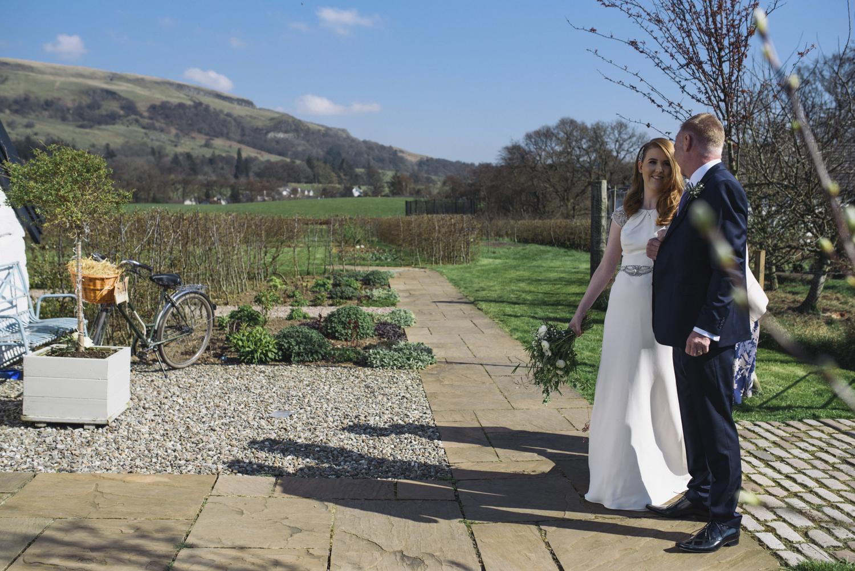 Alternative_wedding_photographer_scotland_barn_wedding_knockraich-24.jpg