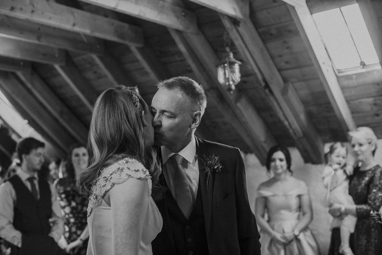 Alternative_wedding_photographer_scotland_barn_wedding_knockraich-26.jpg