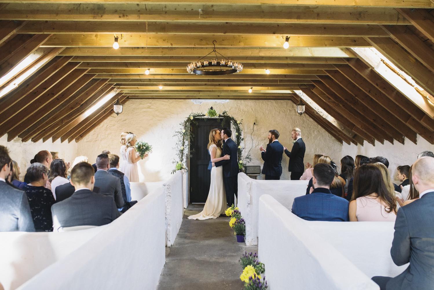 Alternative_wedding_photographer_scotland_barn_wedding_knockraich-34.jpg