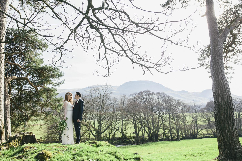 Alternative_wedding_photographer_scotland_barn_wedding_knockraich-54.jpg