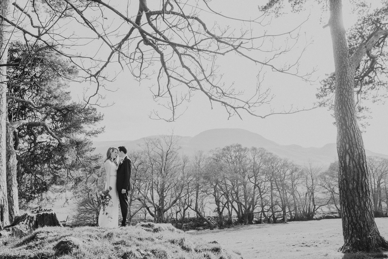 Alternative_wedding_photographer_scotland_barn_wedding_knockraich-55.jpg