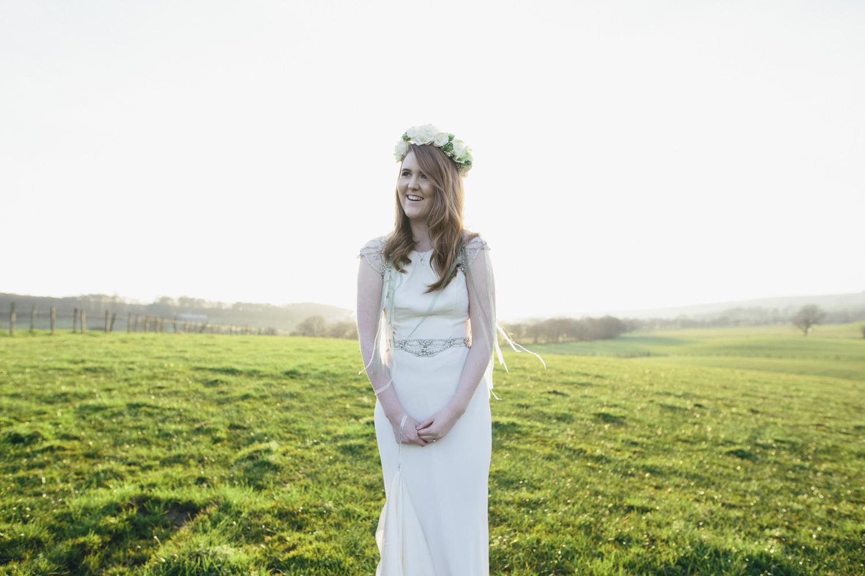 Alternative_wedding_photographer_scotland_barn_wedding_knockraich-83.jpg