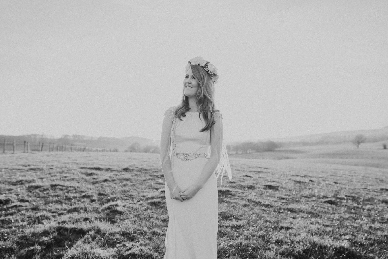 Alternative_wedding_photographer_scotland_barn_wedding_knockraich-84.jpg