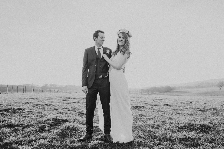 Alternative_wedding_photographer_scotland_barn_wedding_knockraich-85.jpg