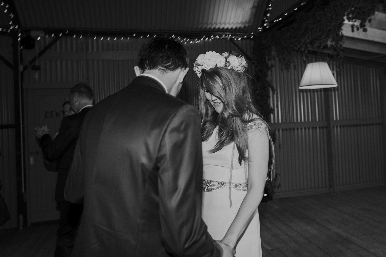 Alternative_wedding_photographer_scotland_barn_wedding_knockraich-101.jpg