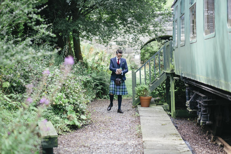 Alternative_wedding_photographer_scotland_fife_standrews_kinkell-15.jpg