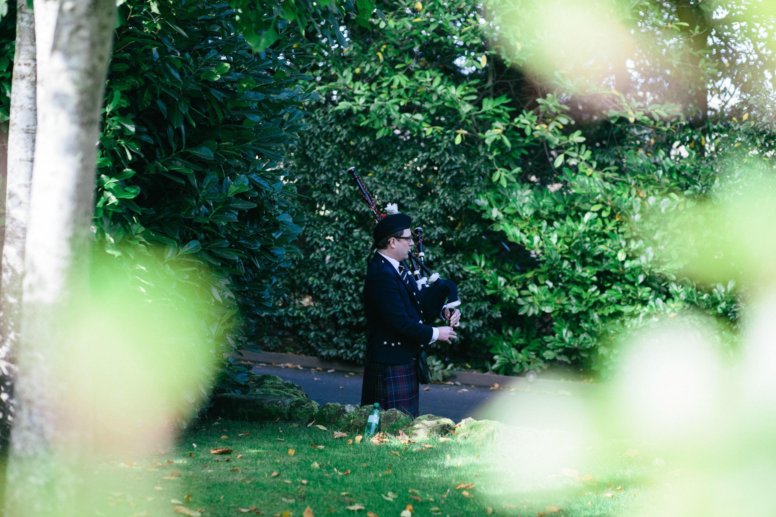 Quirky Wedding Photographer Edinburgh Jupiter Artland -4.jpg