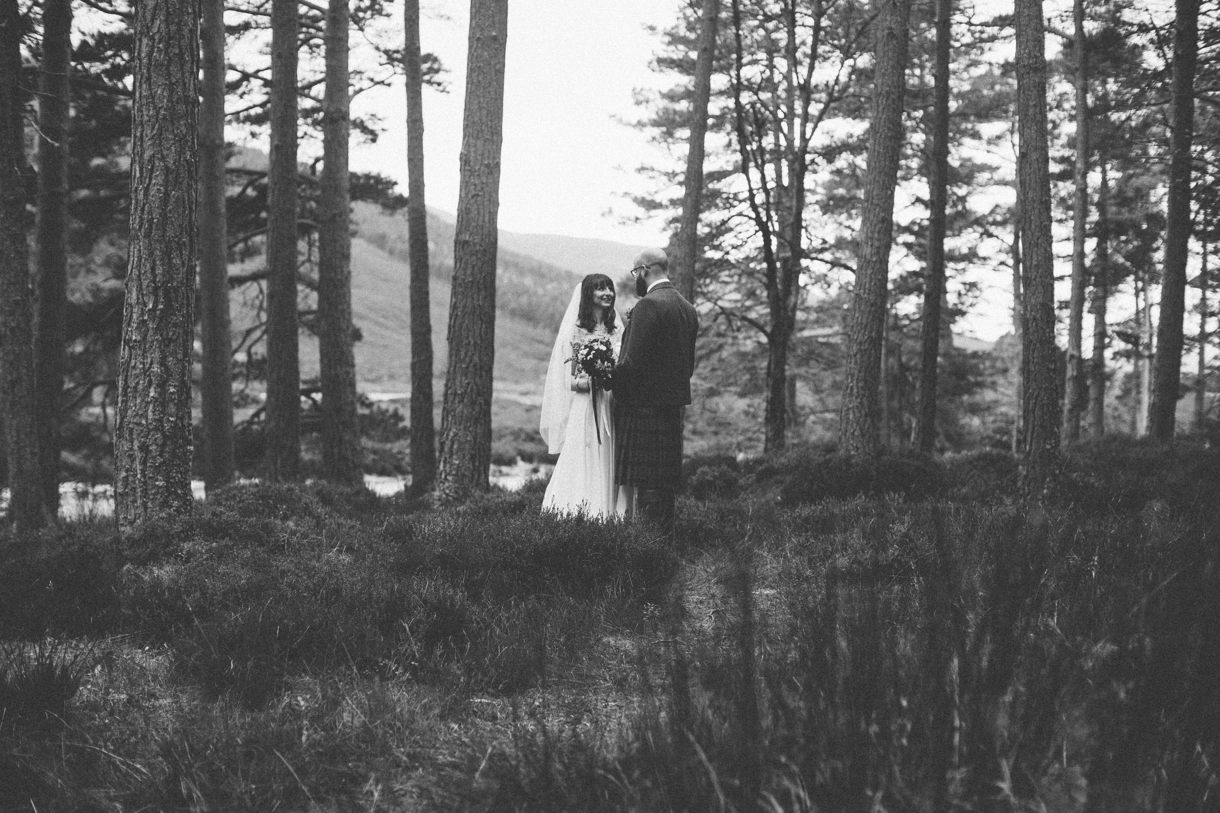 Natural Wedding Photography Aberdeen Braemar 048.jpg