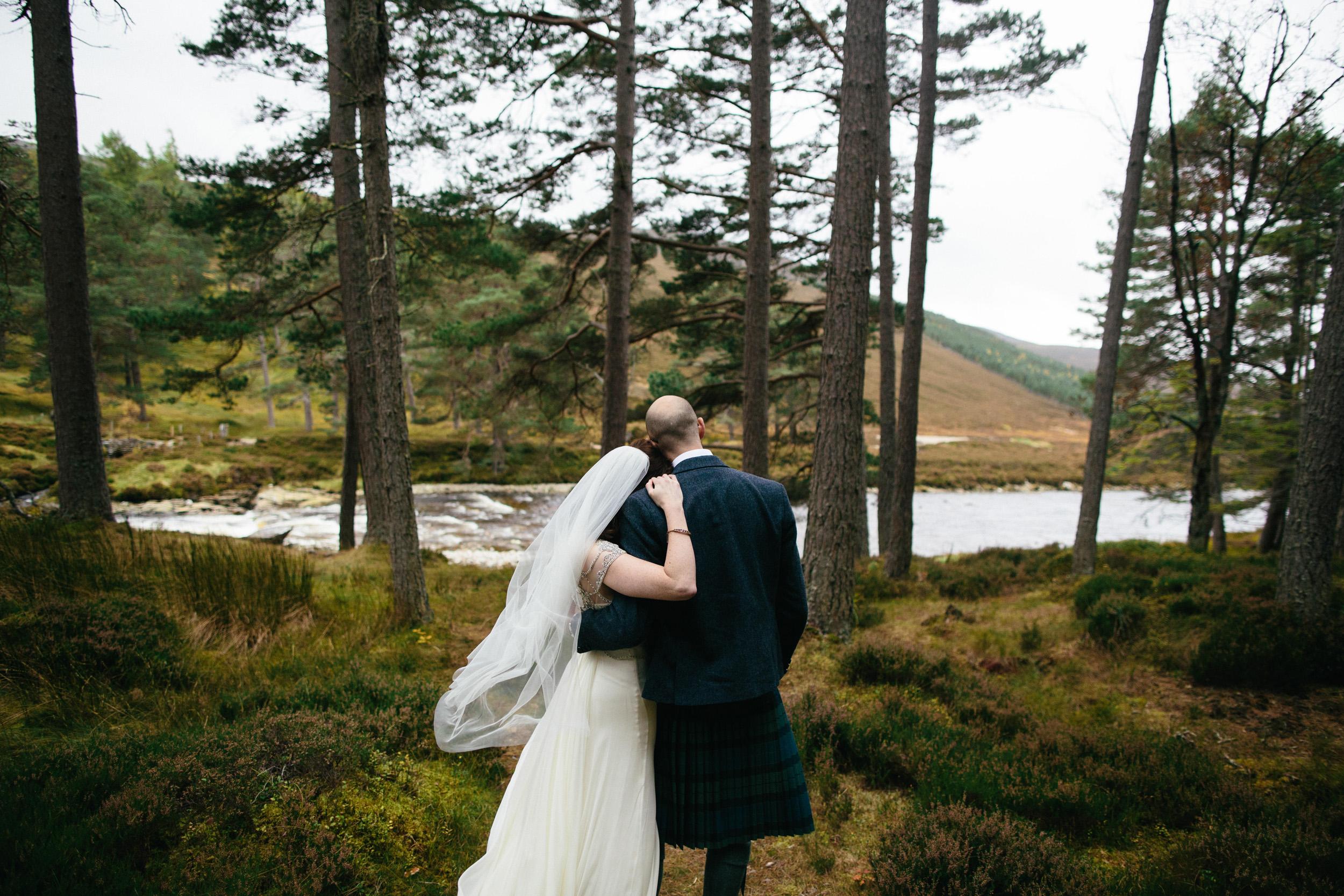 Natural Wedding Photography Aberdeen Braemar 057.jpg