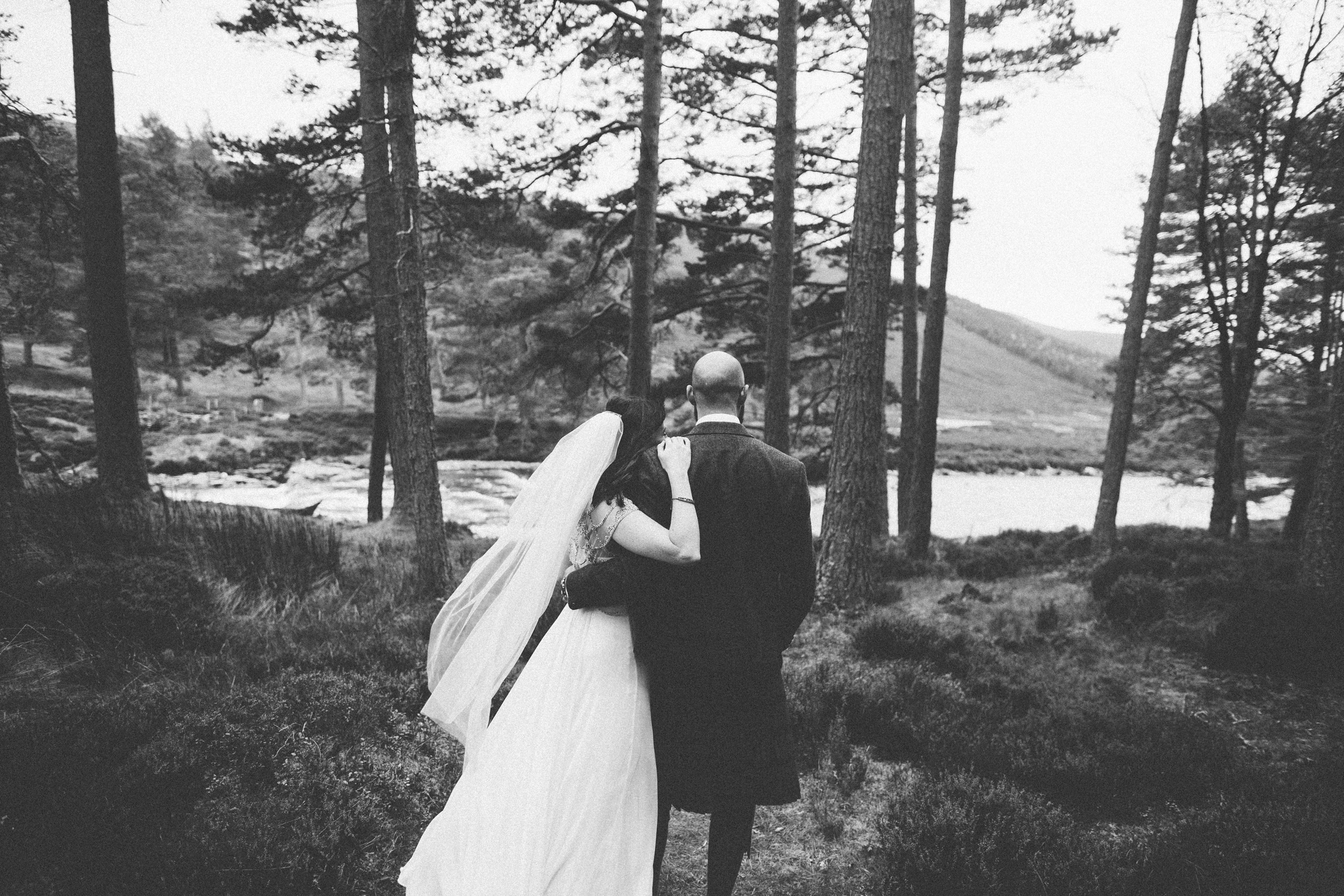 Natural Wedding Photography Aberdeen Braemar 058.jpg