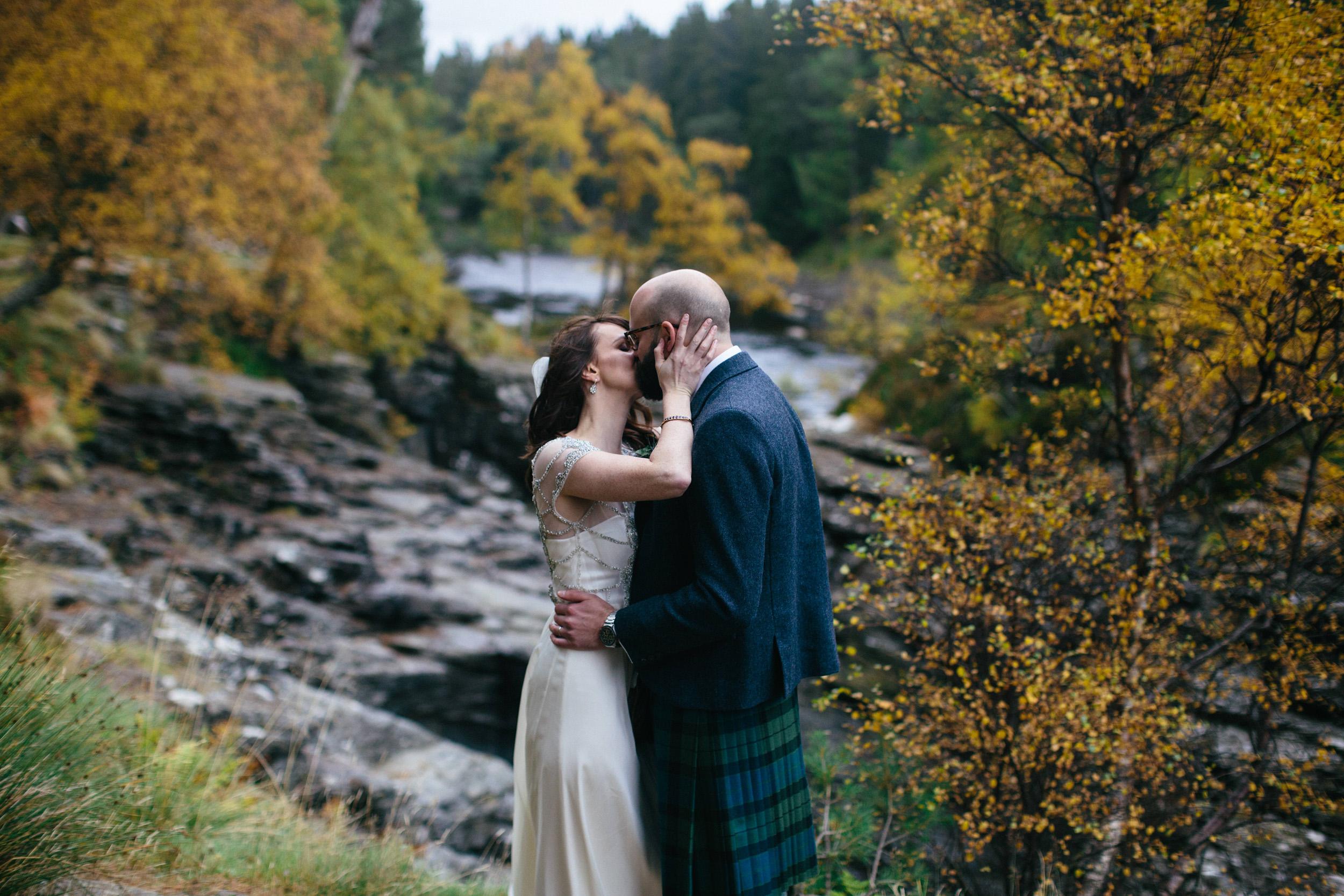 Natural Wedding Photography Aberdeen Braemar 061.jpg