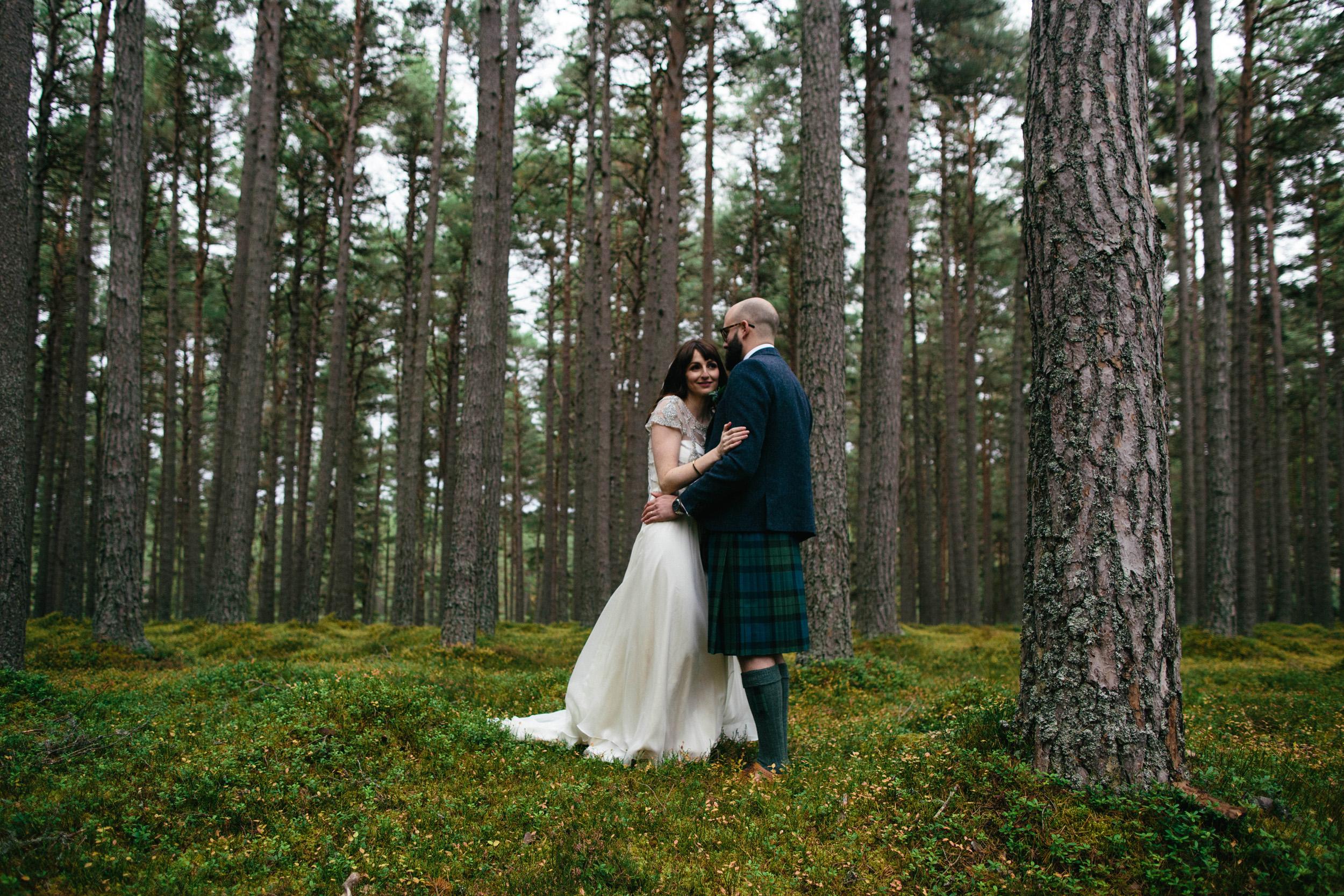 Natural Wedding Photography Aberdeen Braemar 067.jpg