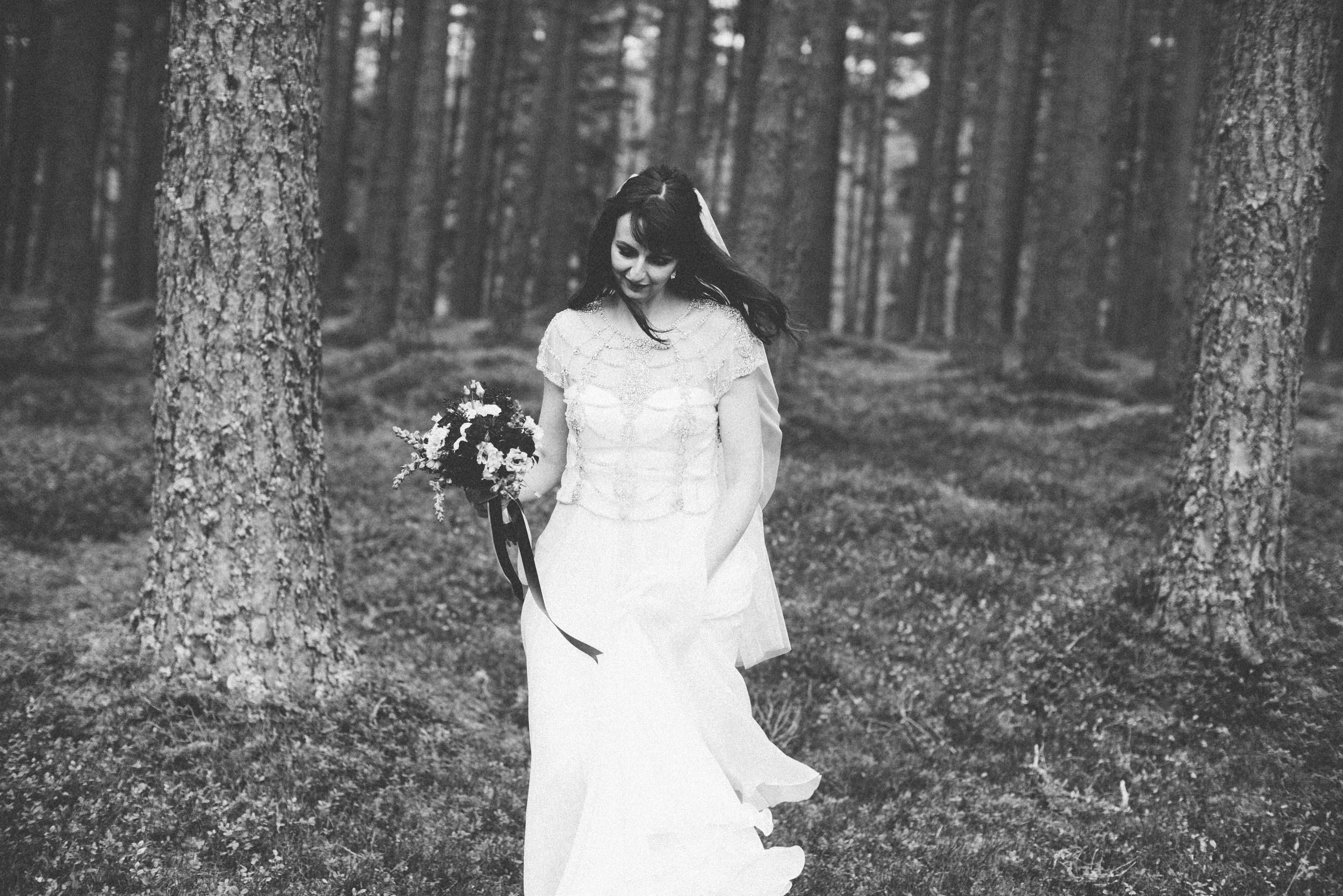 Natural Wedding Photography Aberdeen Braemar 070.jpg