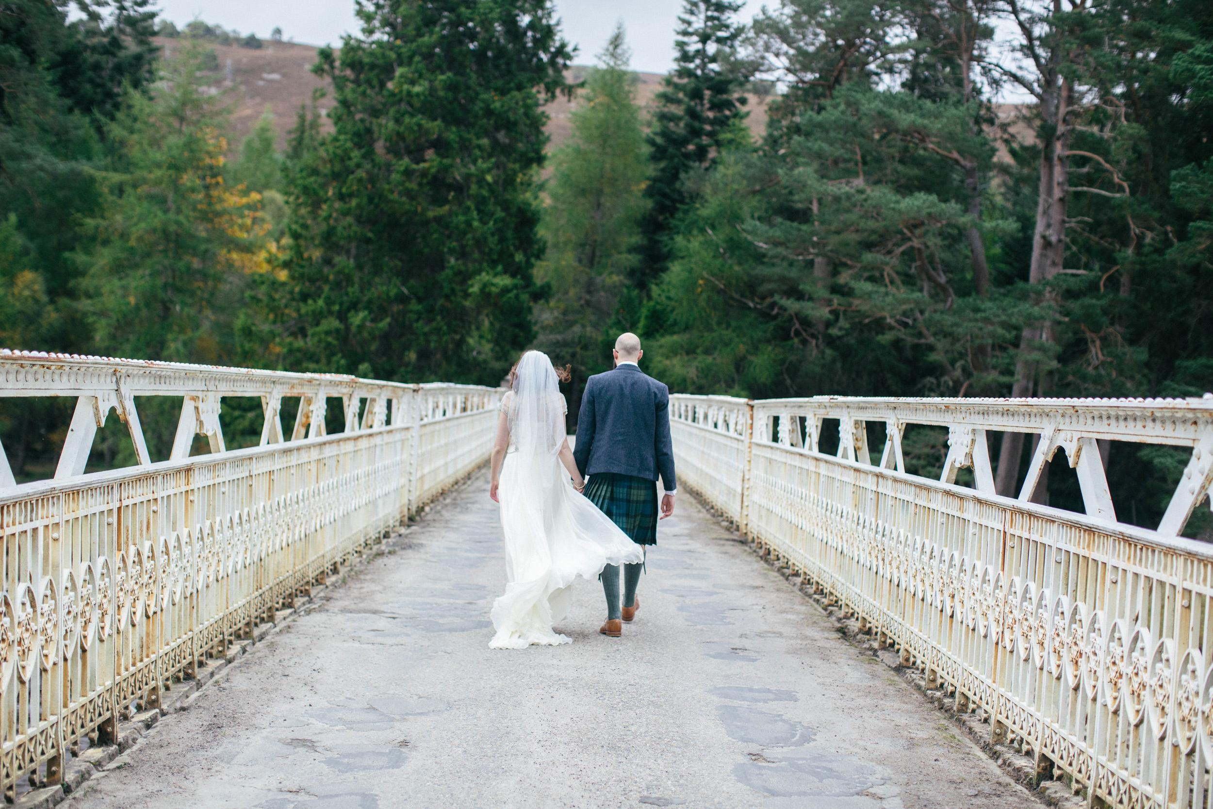 Natural Wedding Photography Aberdeen Braemar 071.jpg