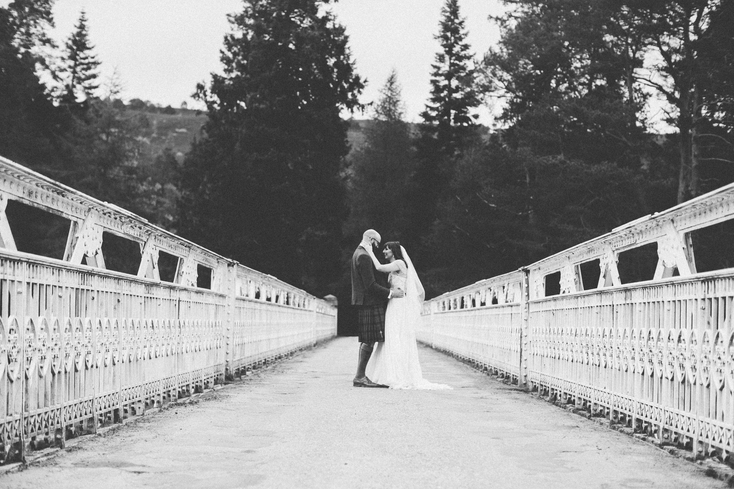 Natural Wedding Photography Aberdeen Braemar 073.jpg