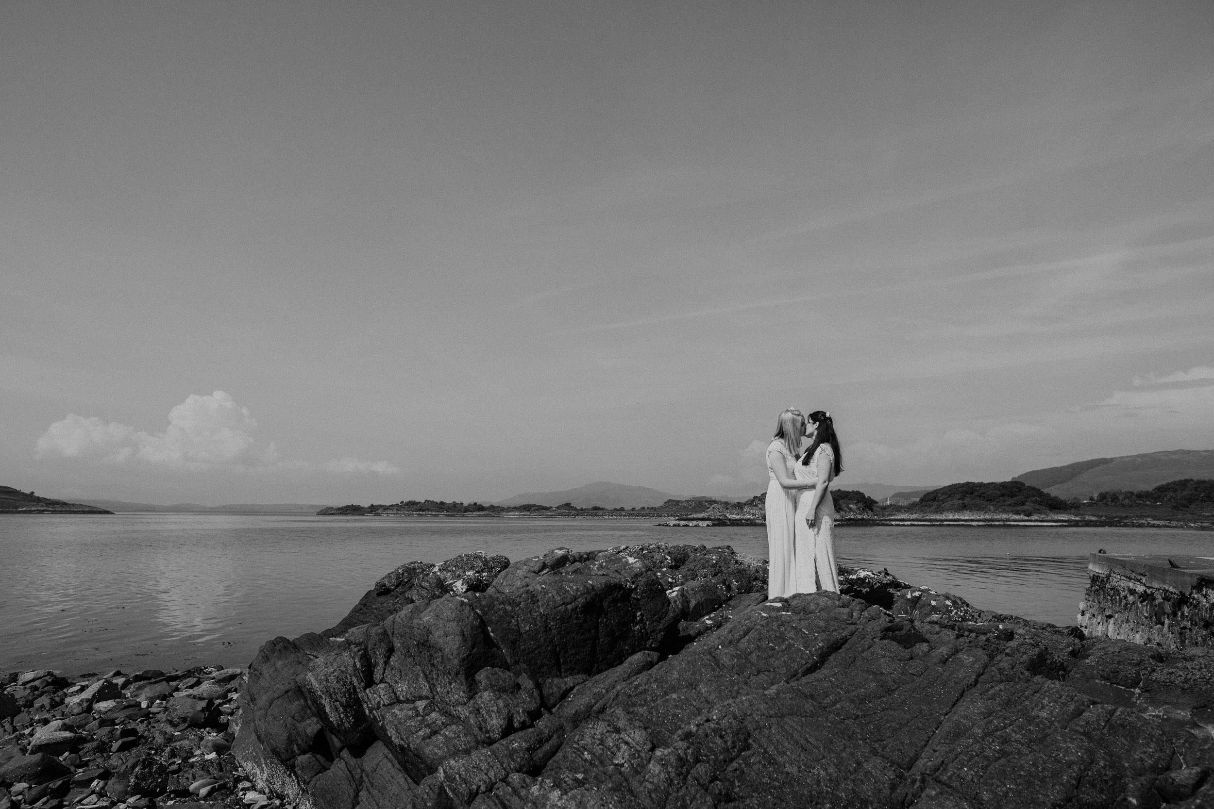 Quirky Wedding Photographer Scotland Glasgow Edinburgh Mirrorbox 005.jpg