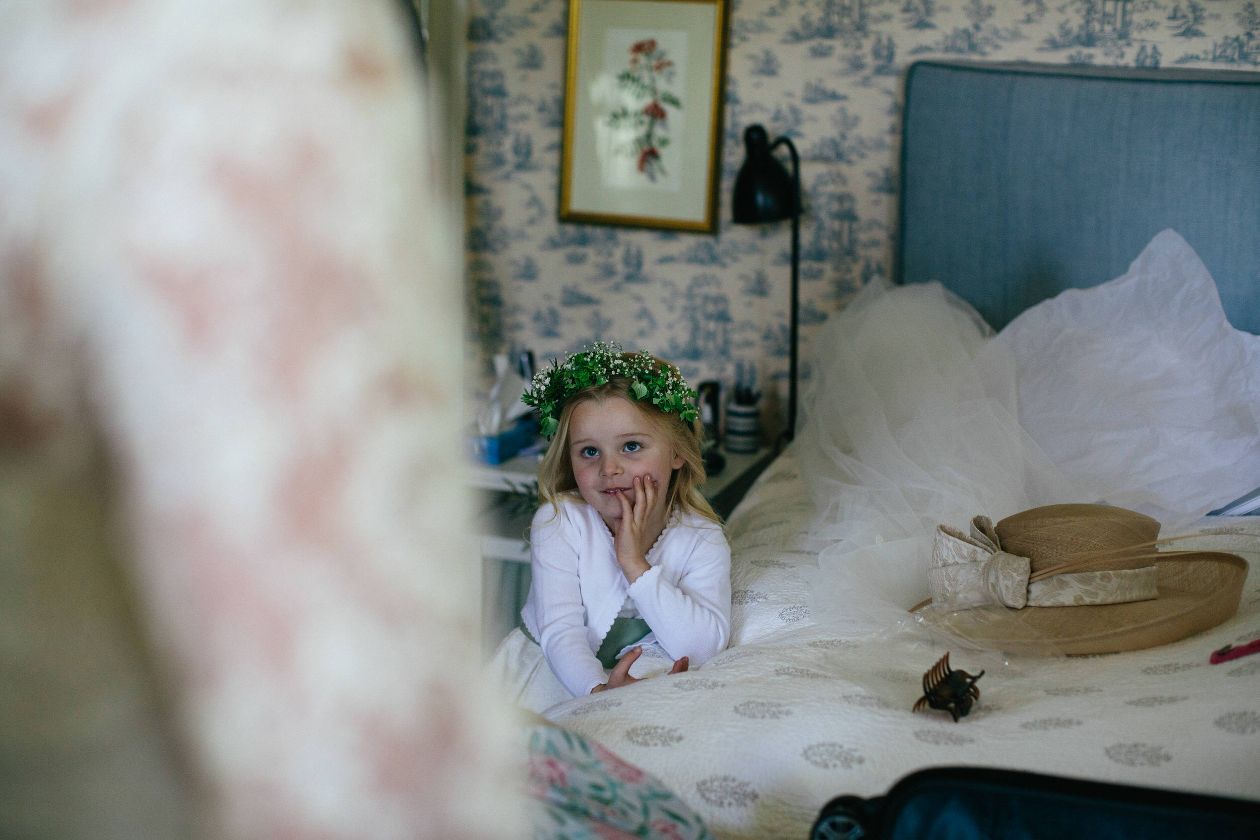 Quirky Wedding Photographer Scotland Glasgow Edinburgh Mirrorbox 019.jpg