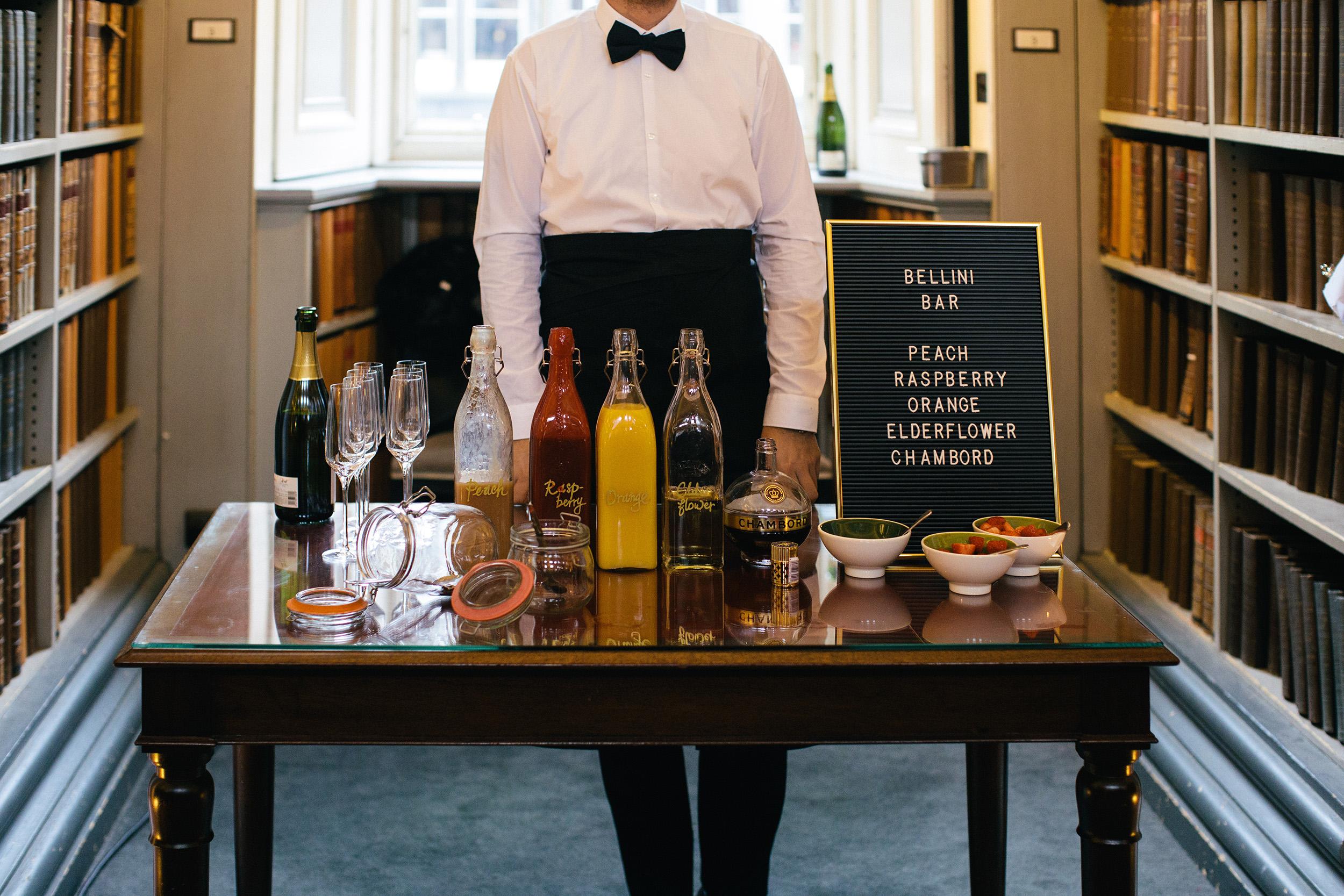 Quirky Wedding Photographer Scotland Glasgow Edinburgh Mirrorbox 032.jpg