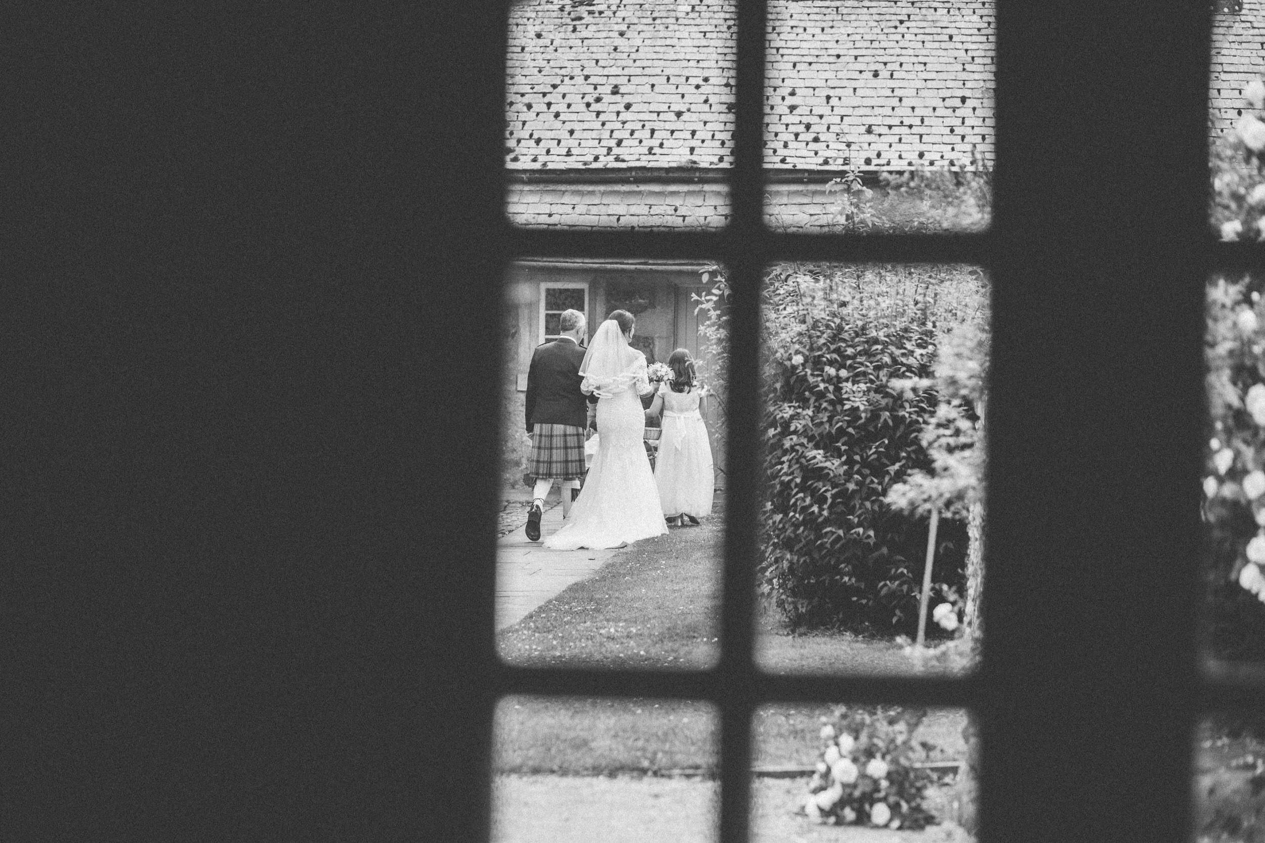 Quirky Wedding Photographer Scotland Glasgow Edinburgh Mirrorbox 058.jpg