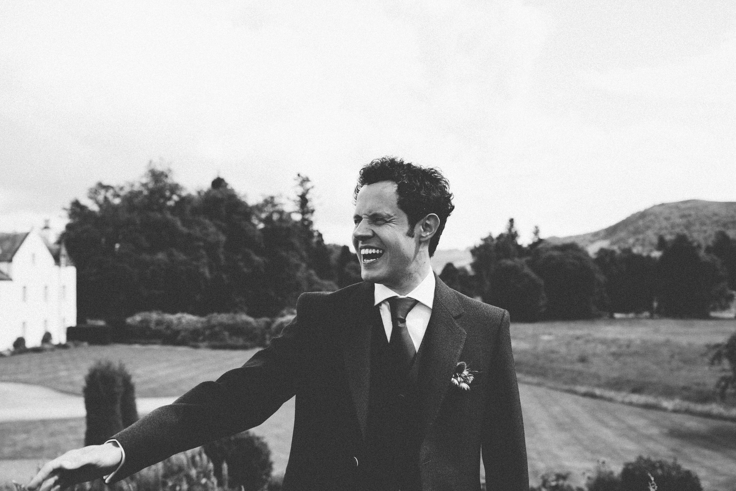 Quirky Wedding Photographer Scotland Glasgow Edinburgh Mirrorbox 173.jpg