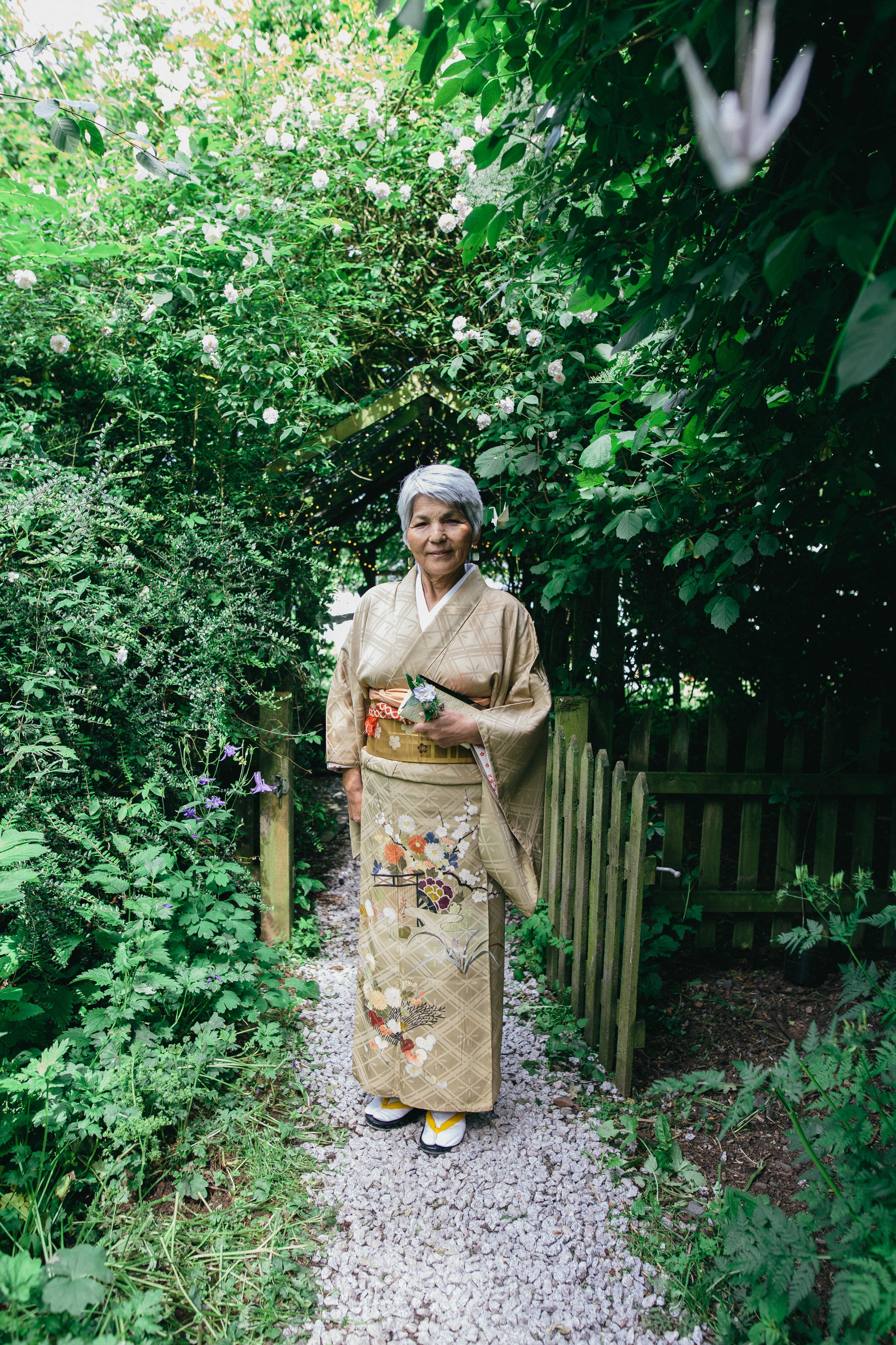 Quirky Wedding Photographer Scotland Glasgow Edinburgh Mirrorbox 190.jpg