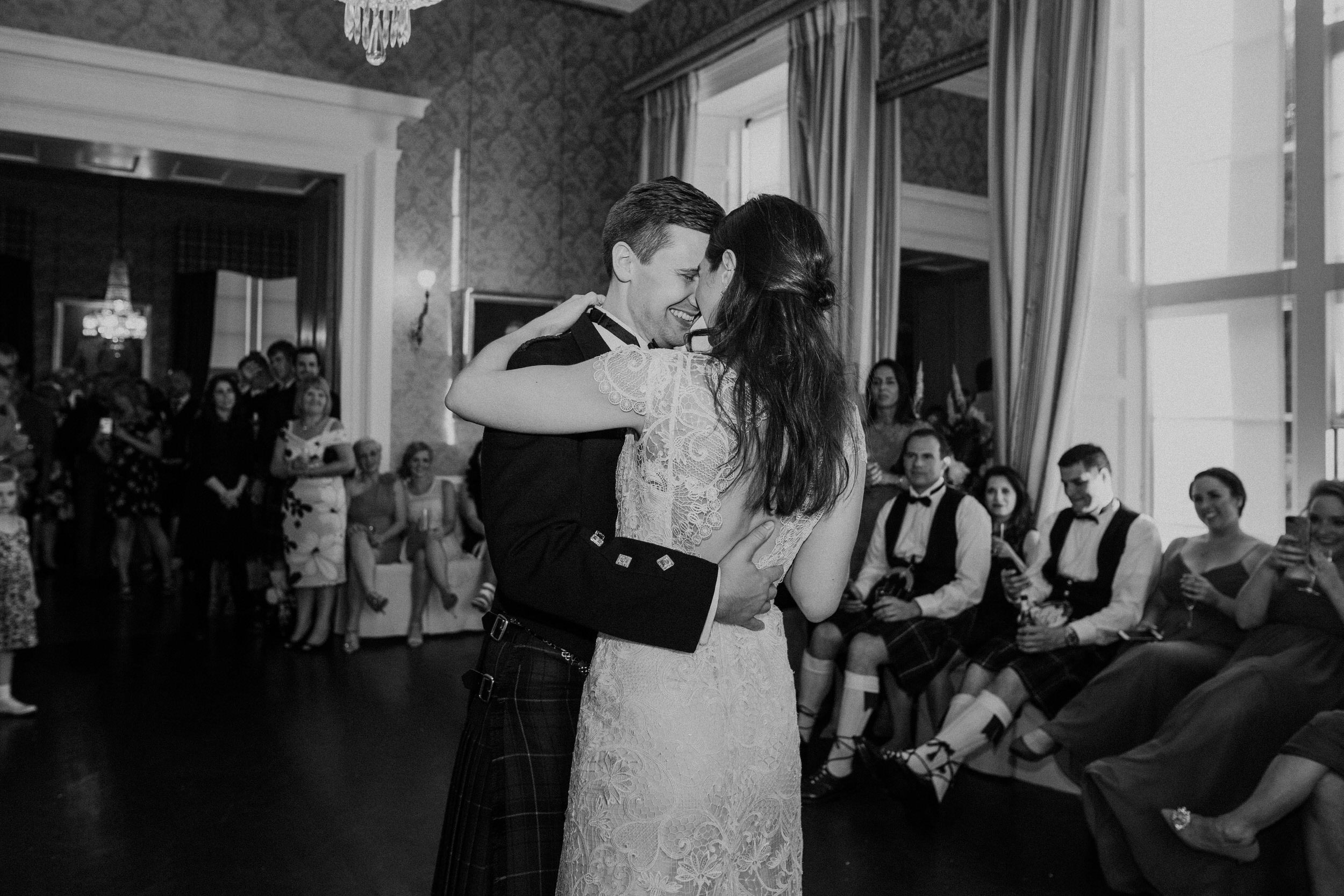 Quirky Wedding Photographer Scotland Glasgow Edinburgh Mirrorbox 245.jpg