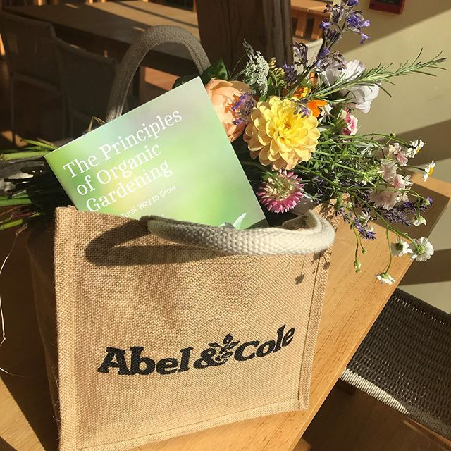 So proud to be working with @abelandcole! Yesterday at their supplier's gathering at the @sheepdovefarm we were presented with the company's plans for the future, marketing essentials and got to know all the wonderful people we usually exchange emails and phone-calls. I was delighted to discover that it is a company with a powerful female energy. I got so much inspiration and made some new friends! @artigianagenovese💐 We tasted wonderful food and we left with an organic goodie bag! It was such a beautiful day! Thank you Abel&Cole!⭐️⭐️⭐️⭐️⭐️⭐️⭐️⭐️⭐️🍋🍊🍐🍎🍏🍌🍉🍉🍇🍓🍈🍍🥭🍑🍒🥕🌽🌶🥒🥬🥝🍅🍆🥑🥦🍠🥔🍇🍉🍌🍏🍎🍐🍊#organicmovement #sheepdroveorganicfarm #ecocentre #abelandcole #fedbyabelandcole #corporateevent #shoponline #organiconlinestore #minimisewaste #sustainableshopping