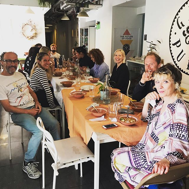 Happy customers after lunch at the home of Gaia Pulses, The Old Baths cafe. Traditionally Vegan old-school Greek dishes cooked with Organic Veg, Olive Oil and a lot of love. People who visit us they say it feels like home 🏡 How nice is that?  #earthisalive #vegangreekfood #plantbased #veganlunchhackney #supportlocal #madeinhackneywick #veganhackney  #londonfoodblogger #londonfoodie #foodieblogger #londoncafe #veganlondon #londonveganrestaurants #plantbasedhackney