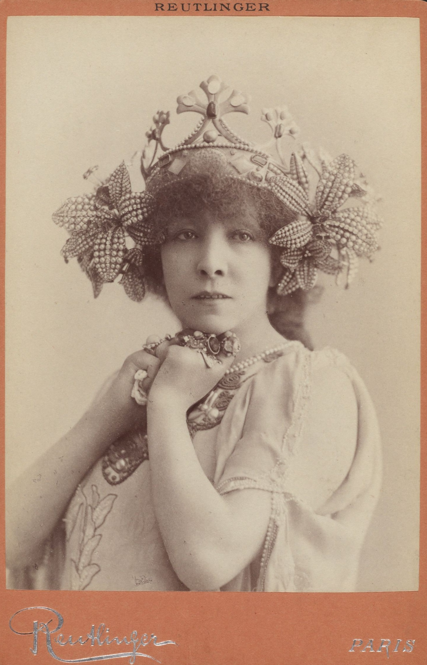 Harvard_Theatre_Collection_-_Sarah_Bernhardt,_La_Princesse_Lointaine,_TC-2.jpg
