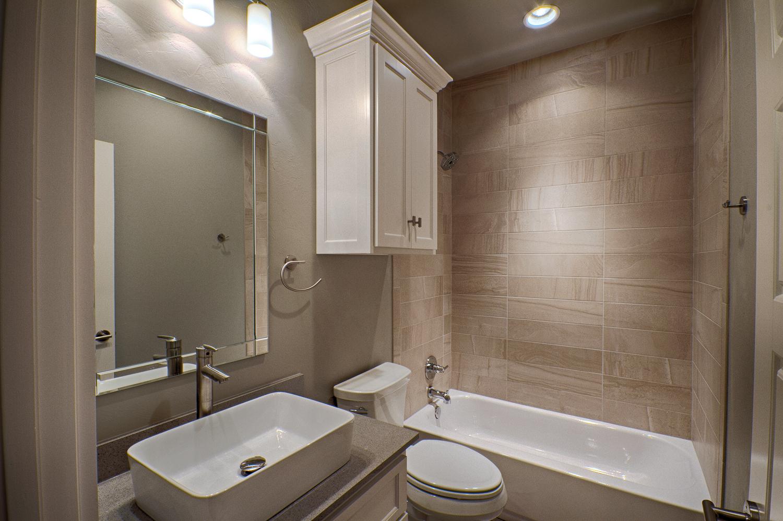 021_Bath 1.jpg