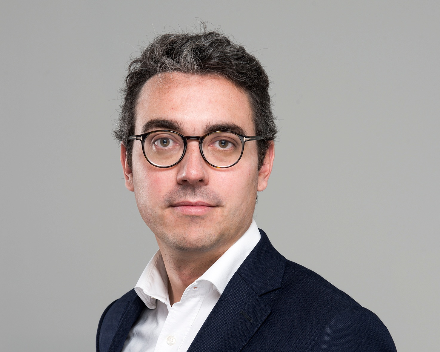 Worked at ING & Goetzpartners within the LBO and M&A teams  Henri co-founded Apparius in 2011