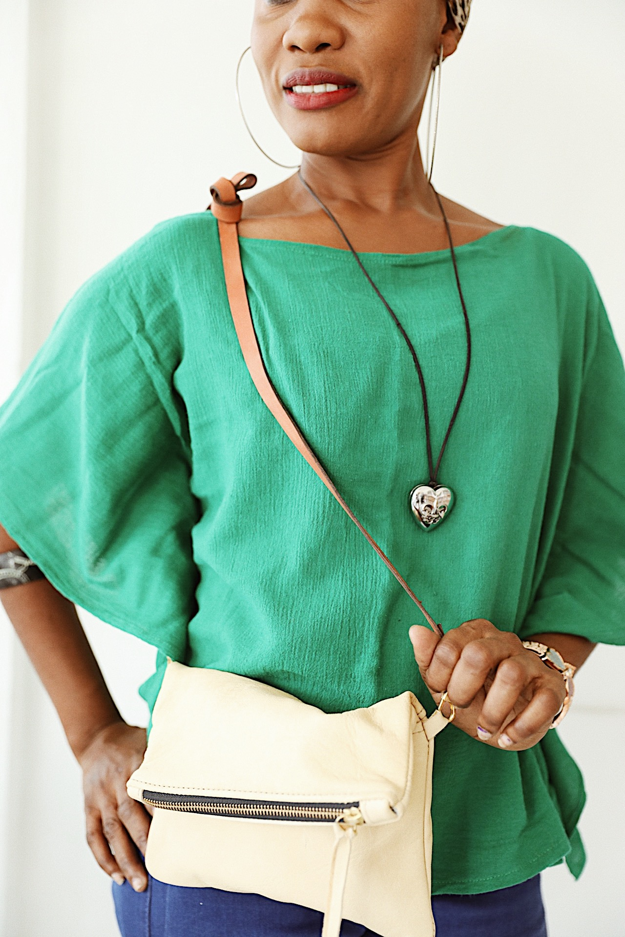 Darline fashion revolution with essentials crossbody.jpg