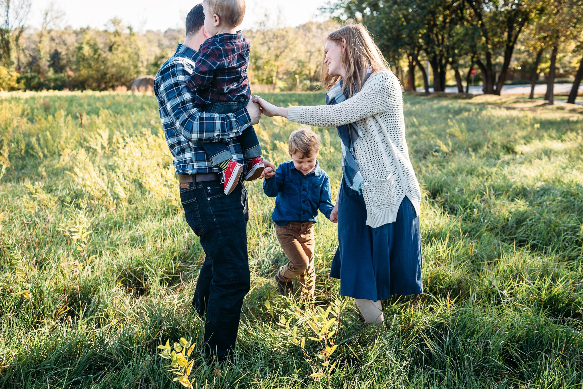 Kate + Family ONLINE SHARE-17.JPG
