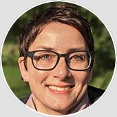 Michaela Stasch studierte Regie an der Hochschule für Film und Fernsehen Konrad Wolf in Berlin-Babelsberg. Im Anschluss machte sie eine Ausbildung zur Cutterin. Seit 1995 ist sie freiberuflich tätig und gestaltet regelmäßig Doku- und Spielfilmserien, Dokumentarfilme, Reportagen und Magazinbeiträge für öffentlich-rechtliches Fernsehen.