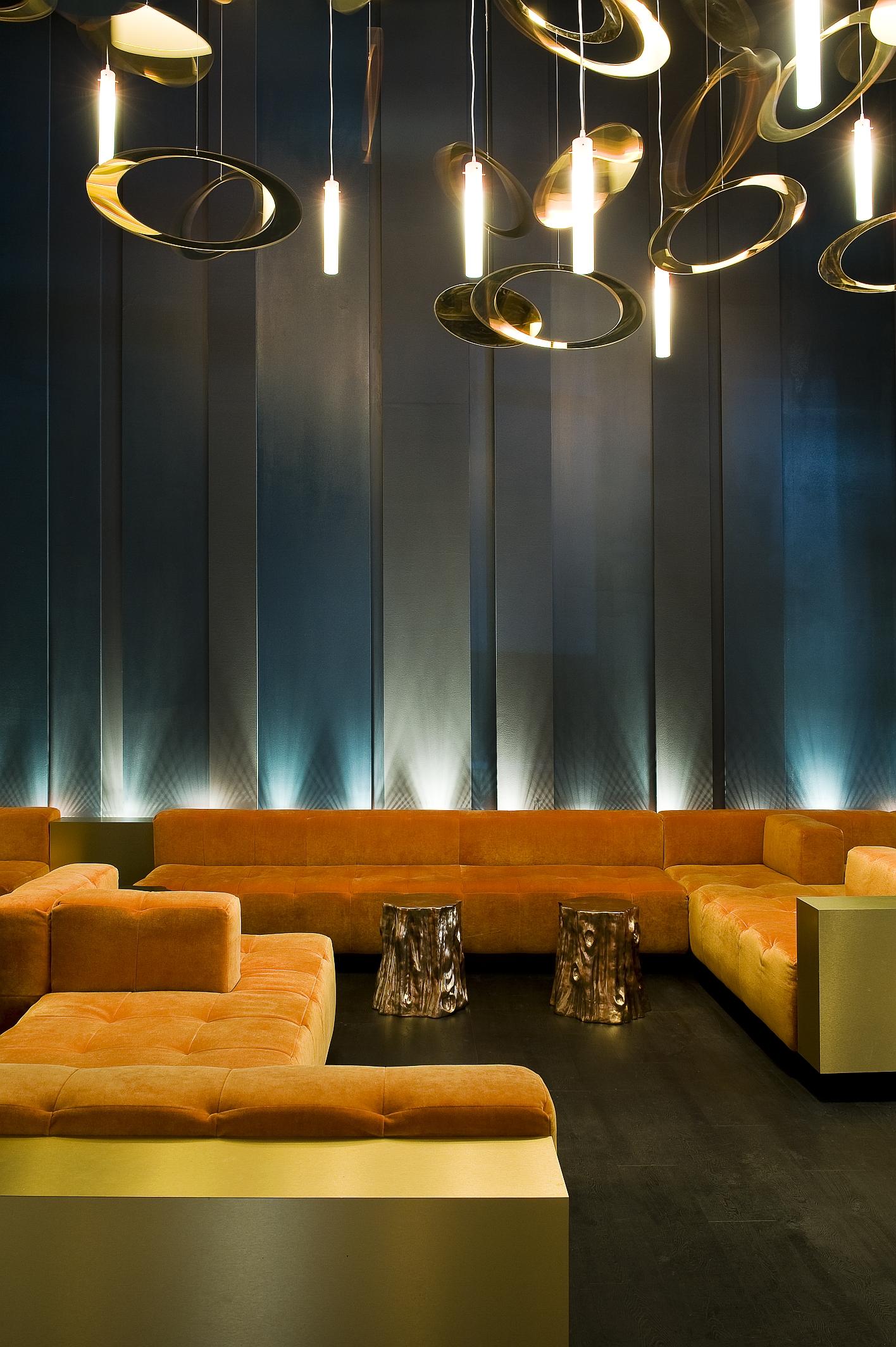 10. O lounge seating.jpg