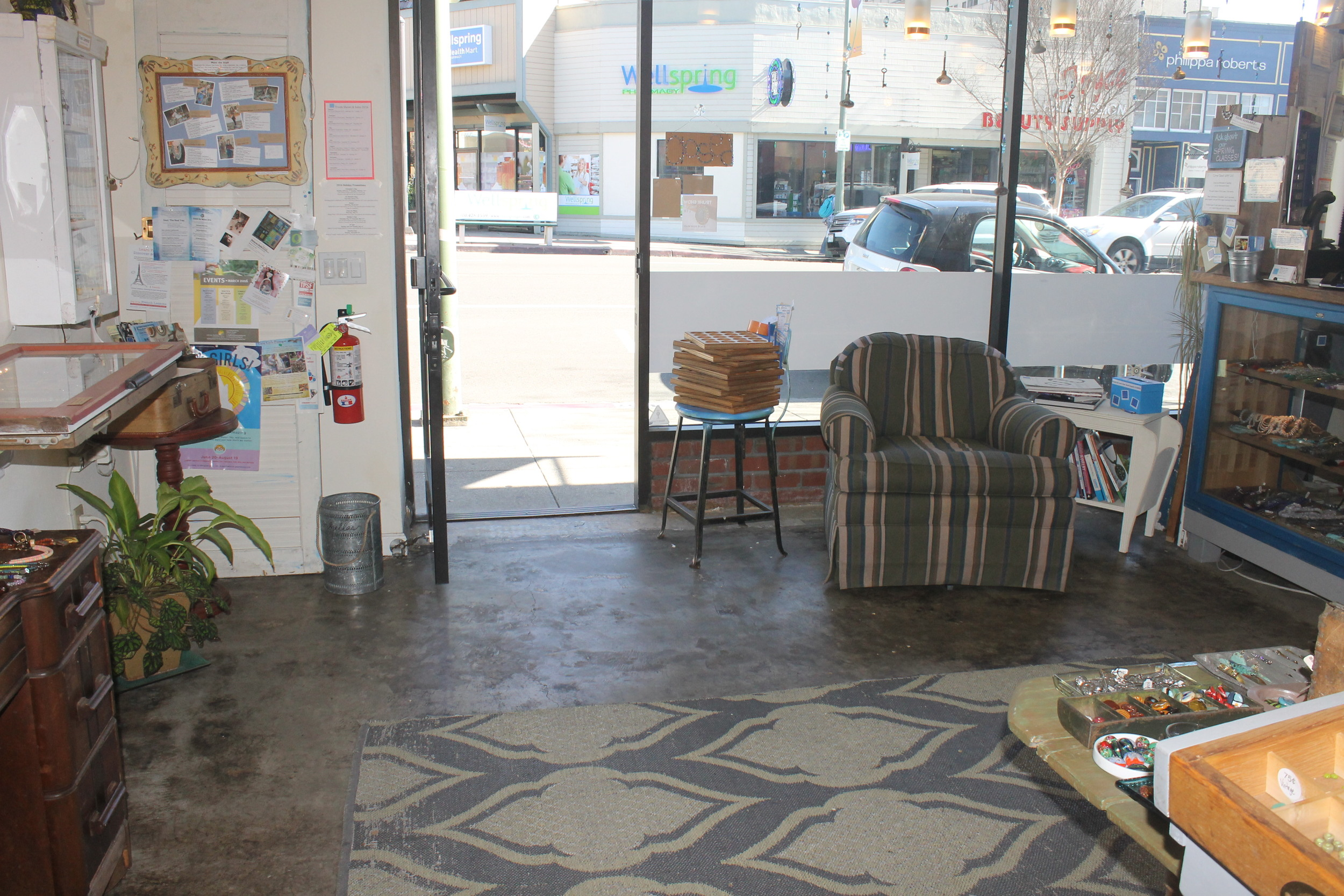 Blue Door Beads' unobstructed entrance creates an inviting space for customers to enter