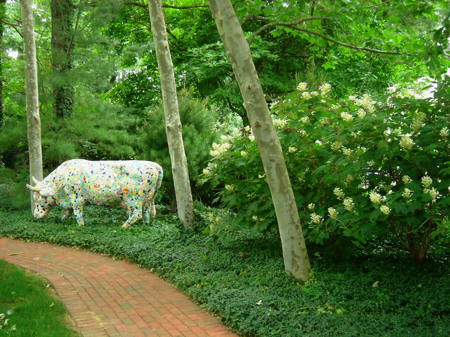 green-cow-sculpture.jpg