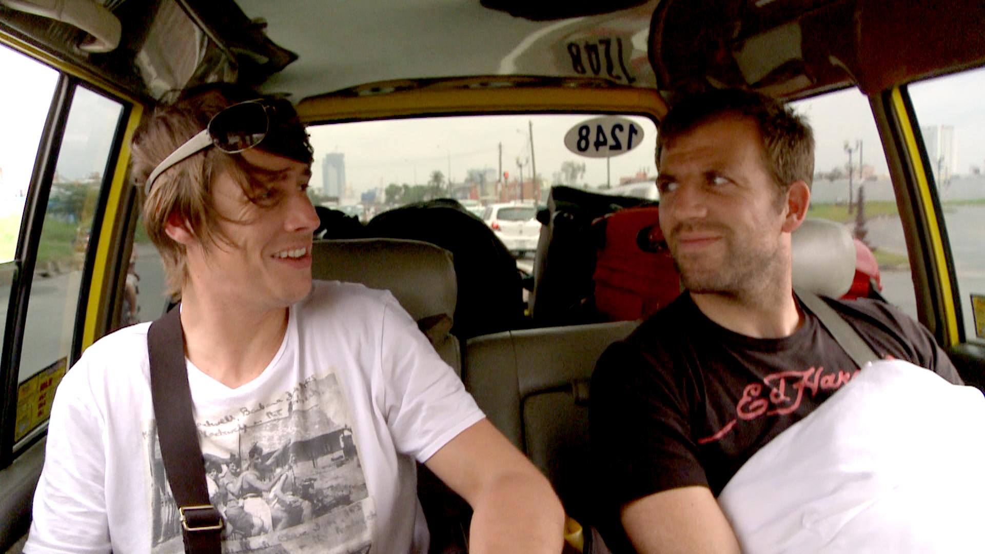 benni und micky im taxi 02.jpg