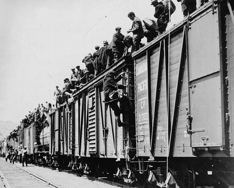 Strikers from unemployment relief camps en route to Eastern Canada during the On-to-Ottawa Trek in June 1935 in Kamloops, B.C. Source: Wikimedia Commons