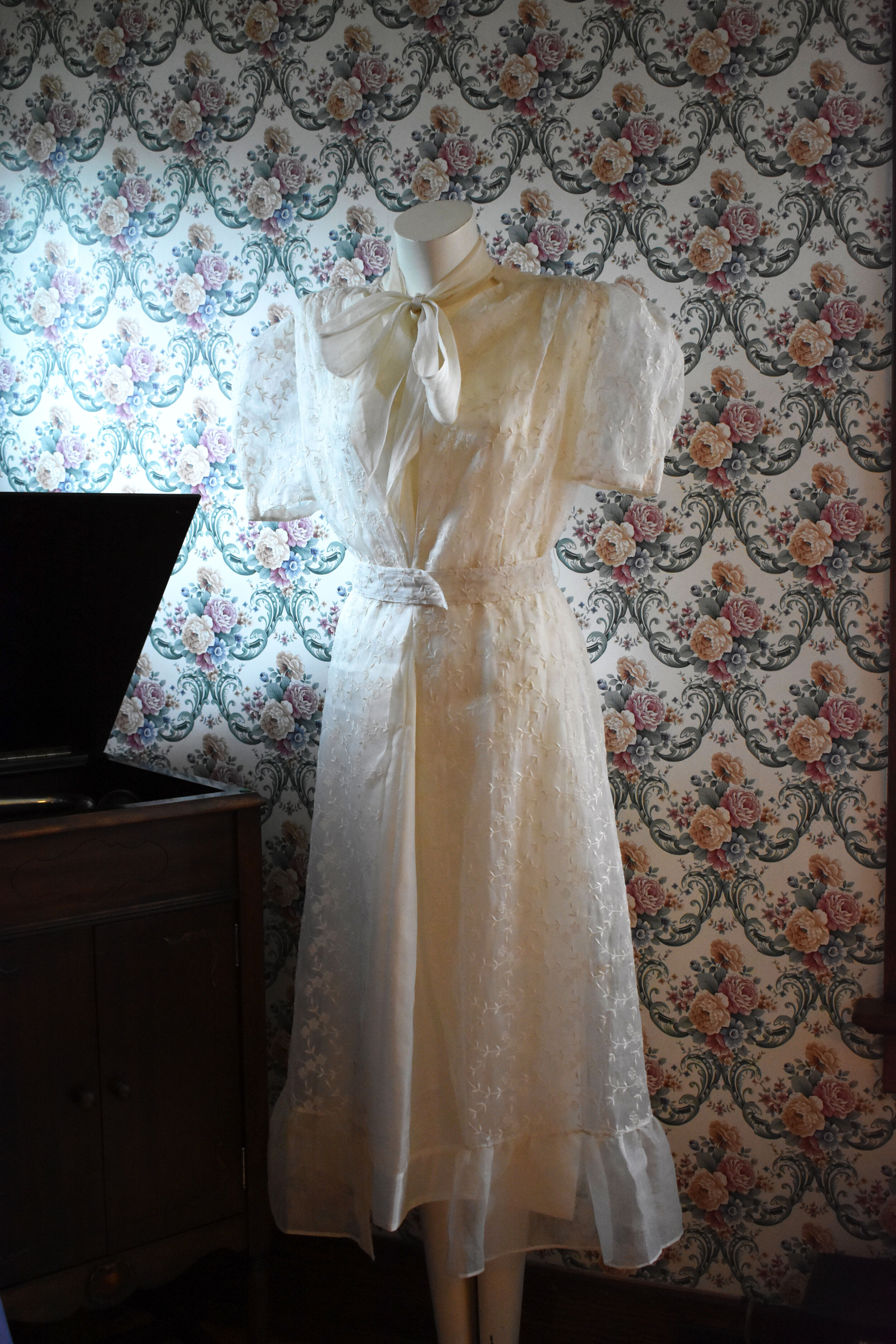 Afternoon Dress, circa 1939. From the collection of Ivan Sayers.